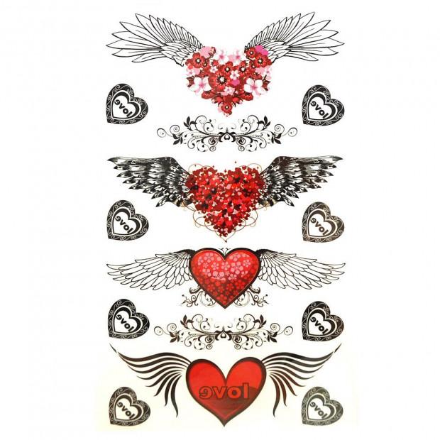 Szívek szárnyán tetoválás